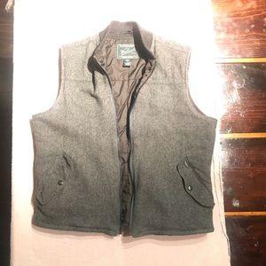 Men's Woolrich vest.